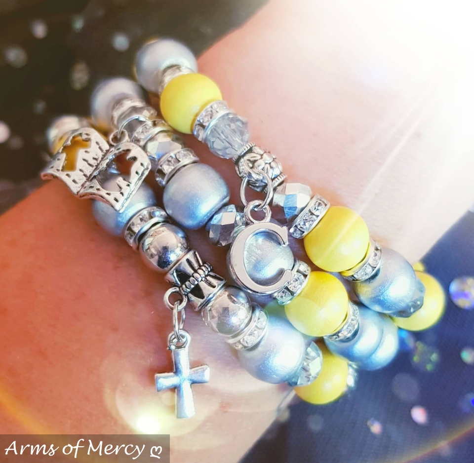 I Survived Sarcoma Cancer Bracelets © Arms of Mercy NPC