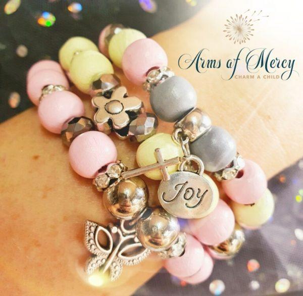 Daisy Daisy Bracelets © Arms of Mercy NPC