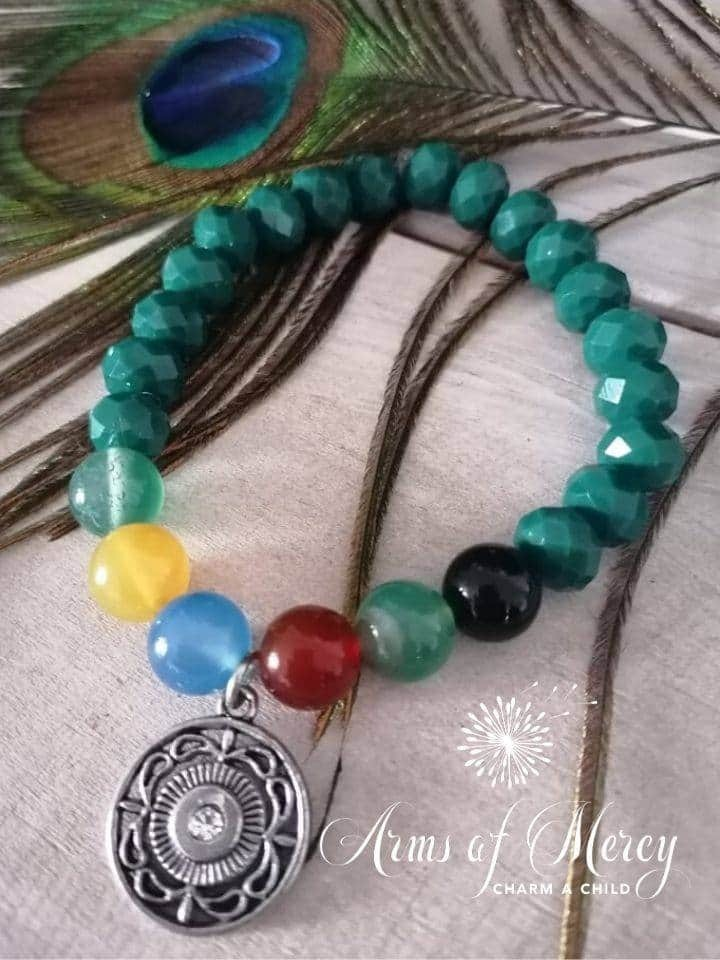 Green Crystal and Agate Beads Bracelet © Arms of Mercy NPC
